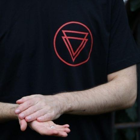 logo_tee_square3