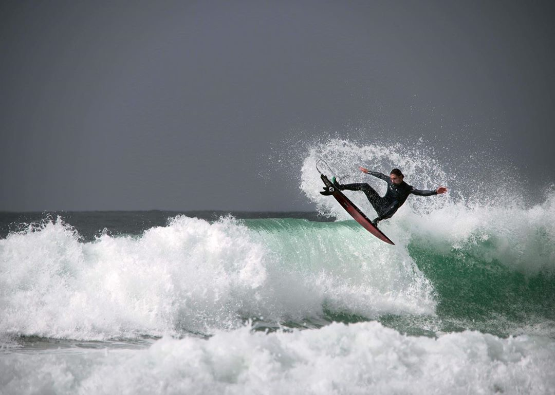 A Tale of Two Fins – Simon Shields – Community Feature